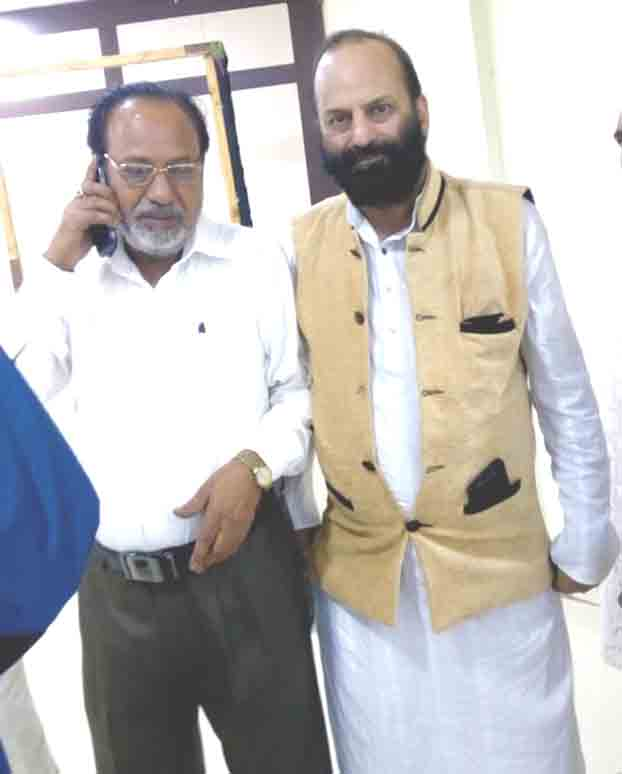 MUSLIM SALEEM WITH GREAT URDU LITTERTEUR CHANDER BHAN KHAYAL SB AT SWARAJ BHANAN BHOPAL ON JULY 26, 2015